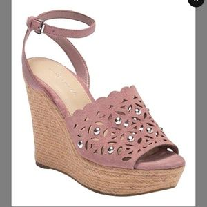 Marc Fisher pink Studded Wedge Espadrilles 8M
